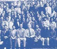an analysis of the gaia hypothesis by dr james lovelock Son premier article life detection by atmospheric analysis,  « est un autre mot pour l'idée de gaia lancée par james lovelock,  the medea hypothesis:.